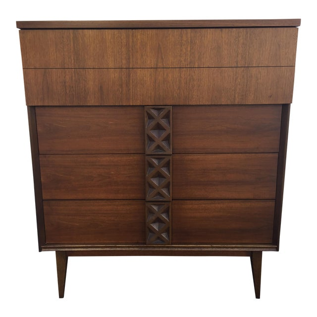 Bassett Mid-Century Chest of Drawers - Image 1 of 9