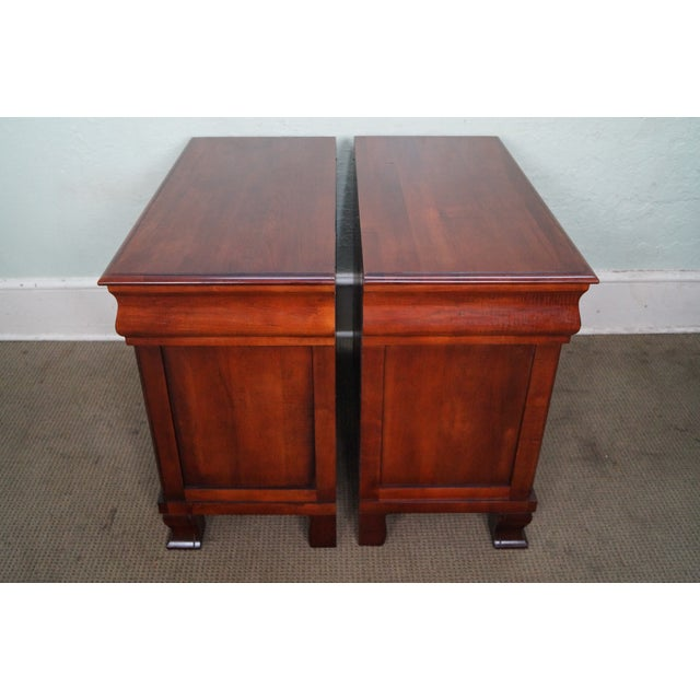 "Contemporary Ethan Allen British Classics ""Daryn"" Chests Nightstands - A Pair For Sale - Image 3 of 10"