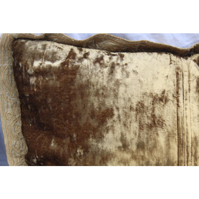 Early 20th Century English Country Crushed Velvet Down Pillows - a Pair For Sale - Image 5 of 7