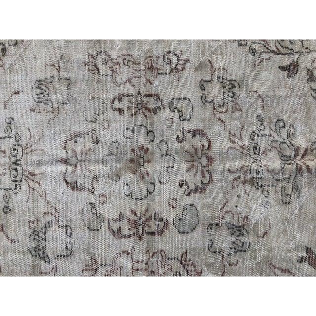 1960s Vintage Turkish Handmade Carpet - 4′7″ × 8′4″ For Sale In Austin - Image 6 of 11