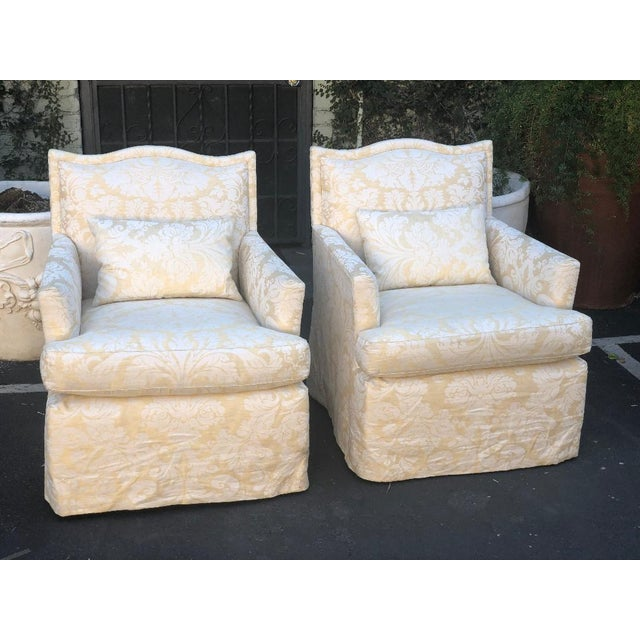 197318787f982 Pair of Designer Fully Upholstered Club Chairs W Swivel Base