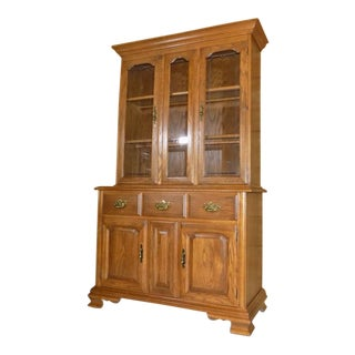 1990s Traditional Tell City Tanbark Oak China Cabinet For Sale