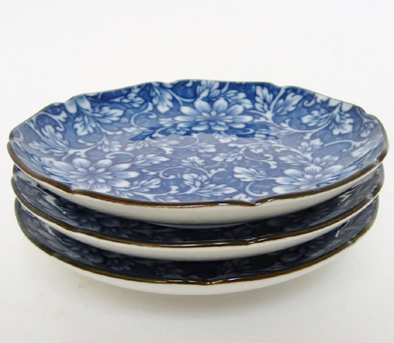 Takahashi Blue u0026 White Plates - Set of 3 - Image 4 ...  sc 1 st  Chairish & Takahashi Blue u0026 White Plates - Set of 3 | Chairish