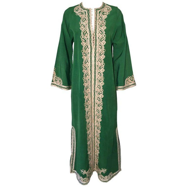 Moroccan Caftan Emerald Green Silk Kaftan Size S to M For Sale - Image 10 of 10