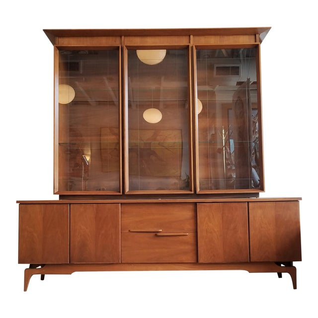 Vintage Mid-Century Modern Display Cabinet With Bi-Fold Doors For Sale