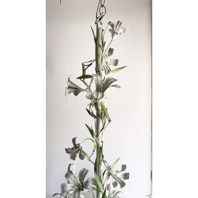 Vintage Floral 1950s Monumental Italian Tole Painted Chandelier For Sale In Los Angeles - Image 6 of 9