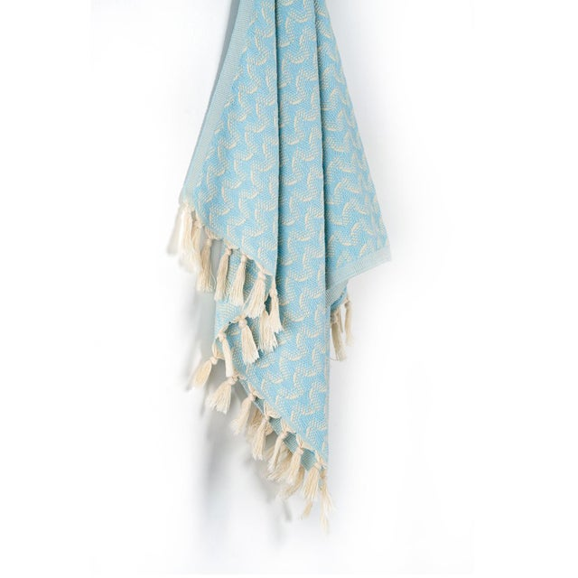 Weave inspired by a calm movement, our Ripple hand towel is completely hand-woven on an age-old loom. Its loose weave...