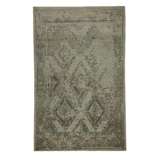 Modern Turkish Sultanabad Rug With Large Diamond Floral Details For Sale