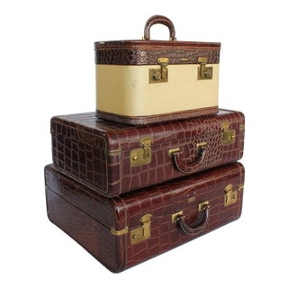 Vintage Leather Suitcases- Set of 3 For Sale