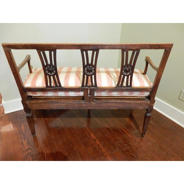 French Provincial Louis XVI Walnut 18th Century Settee For Sale - Image 3 of 10