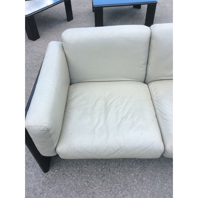 Gavina Studio Simon Italian Leather Settee For Sale - Image 5 of 8