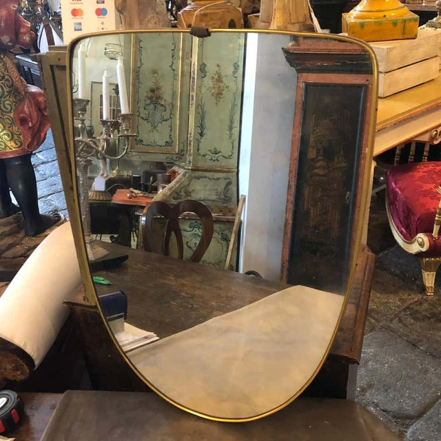 Brass 1950s Italian Mid-Century Modern Gio Ponti Style Brass Shield Wall Mirror For Sale - Image 8 of 10