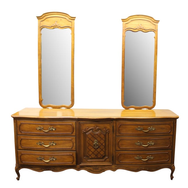 "Vintage Thomasville ""French Court"" Dresser With Mirrors For Sale"