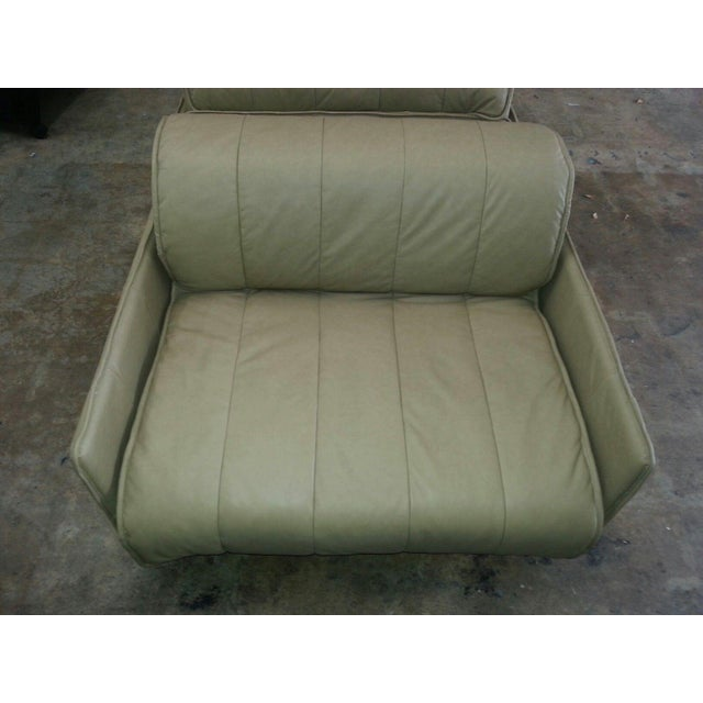 """Mid-Century Modern Pair of De Sede of Switzerland """"1986"""" Oversized Modern Leather Chairs For Sale - Image 3 of 13"""