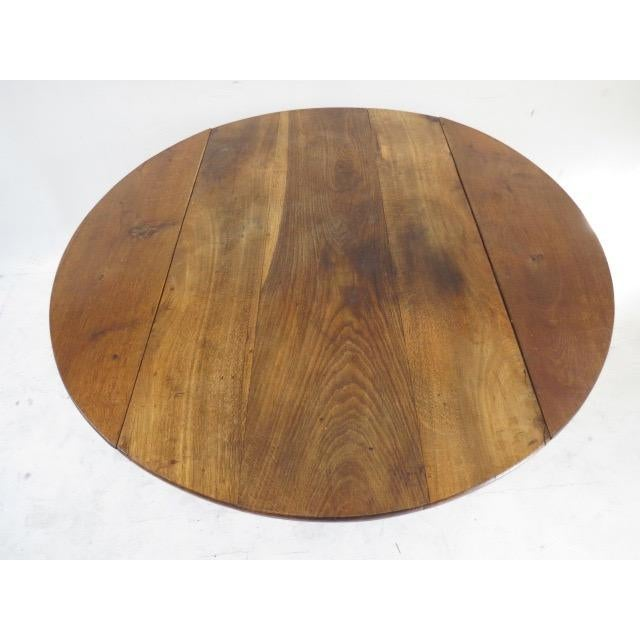 1900s Round Table with Flaps For Sale In New York - Image 6 of 9