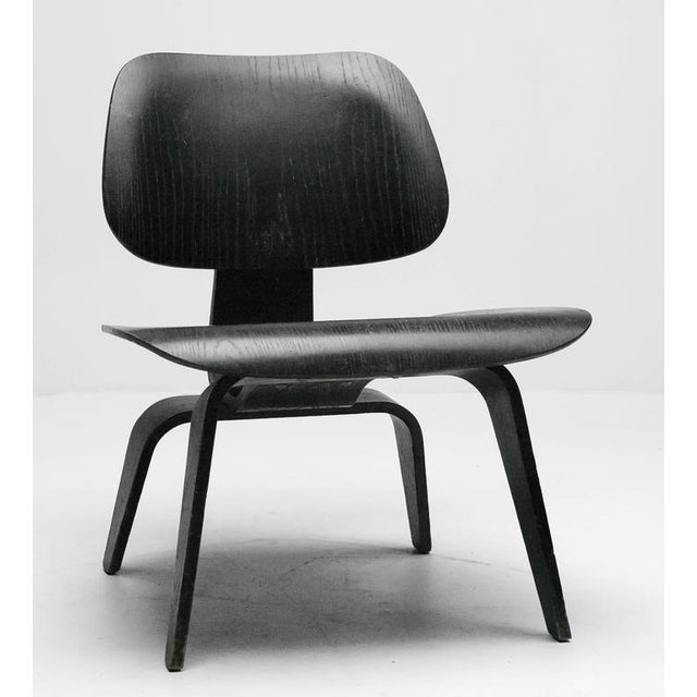 Beautiful black dye ash LCW, early 1950s example by Herman Miller. Stamped LCW in the spine, all original condition,...