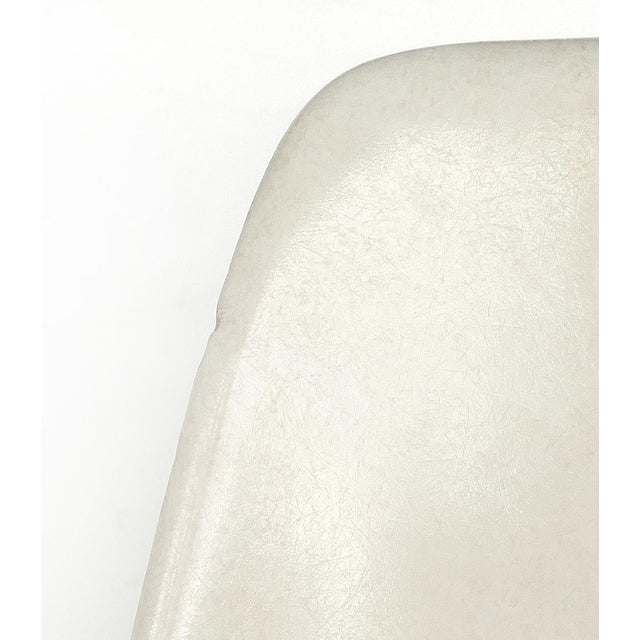 Charles Eames for Herman Miller Bar/Counter Stools in Molded Fiberglass C.1960s - a Pair For Sale - Image 11 of 13