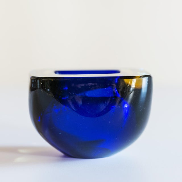 1960s Murano Glass Sommerso Square Bowl in Blue and Yellow, 1960s For Sale - Image 5 of 8