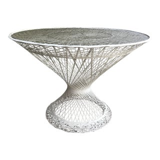 Mid-Century Modern Russell Woodard White Spun Fiberglass Patio Table For Sale
