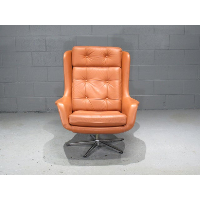 Danish Modern 1970s Danish Modern Orange Leather High Back Swivel Armchair For Sale - Image 3 of 5