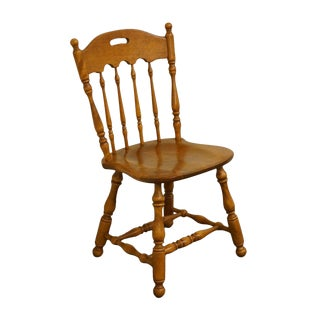 Late 20th Century Ethan Allen Heirloom Nutmeg Maple Colonial Style Accent Chair For Sale