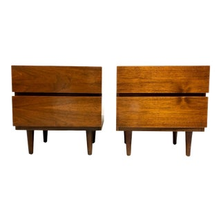 Mid Century Modern American of Martinsville Nightstands in Walnut For Sale