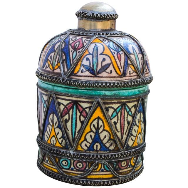 Andalusian Filigree Ceramic Box For Sale - Image 4 of 13