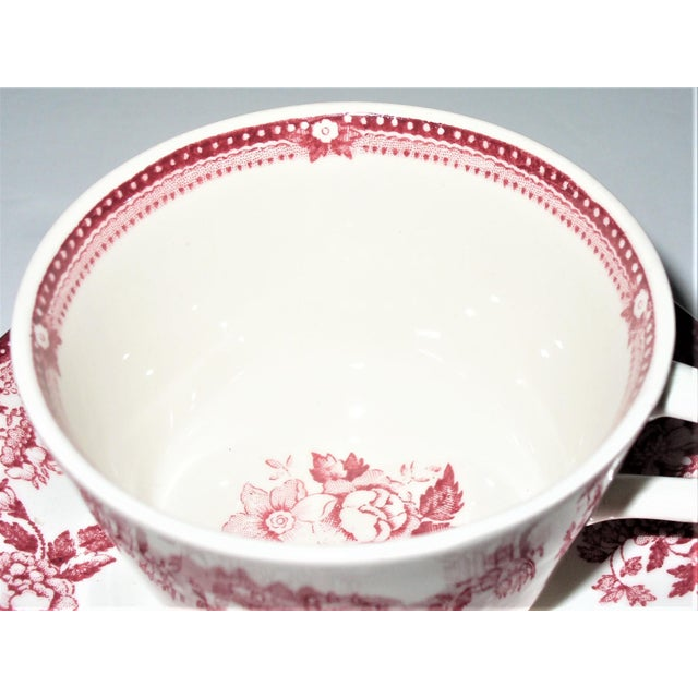 1930s Alfred Meakin Tonquin Pattern Red Cups and Saucers by Stafforshire England - Set of 6 For Sale - Image 5 of 10
