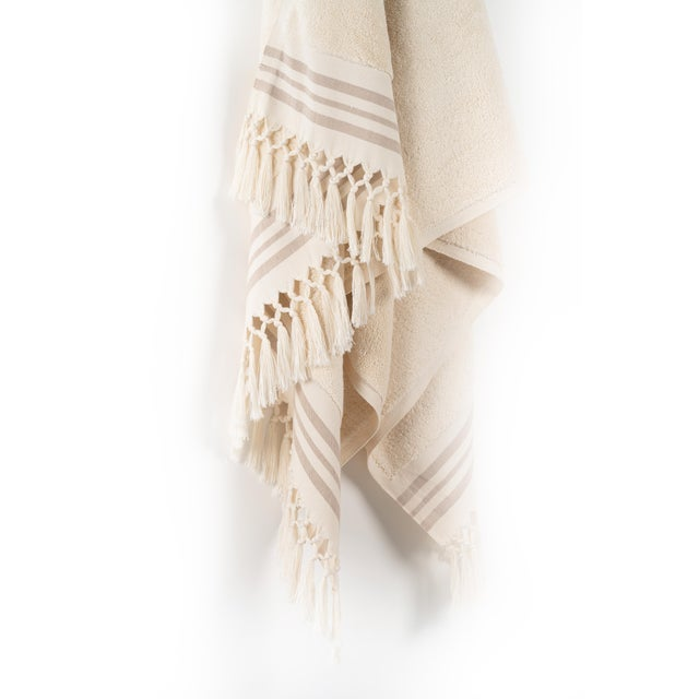 Modern Plush & Bare Handmade Organic Cotton Bath Towel in Ecru with Stripes For Sale - Image 3 of 7