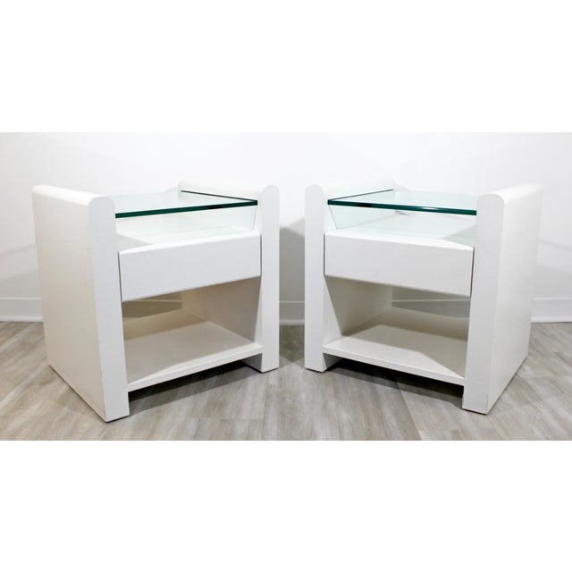 Contemporary 1980s Contemporary Modern White Lacquer & Glass Nightstands End Tables - a Pair For Sale - Image 3 of 9