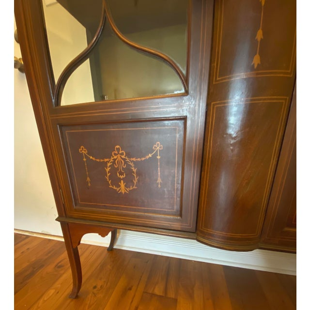 Neoclassical 1910 Adam-Style Mahogany China Cabinet For Sale - Image 3 of 12
