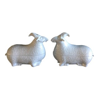 1970s Figurative Mottahedeh Design White Blanc De Chine Porcelain Ram/Goat Boxes - a Pair For Sale