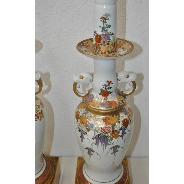 Mid 20th Century Pair of Mid-Century Japanese Kutani Porcelain Table Lamps For Sale - Image 5 of 11