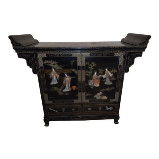 Late 19th Century Black Lacquer Coromandel Chinese Export Cabinet For Sale