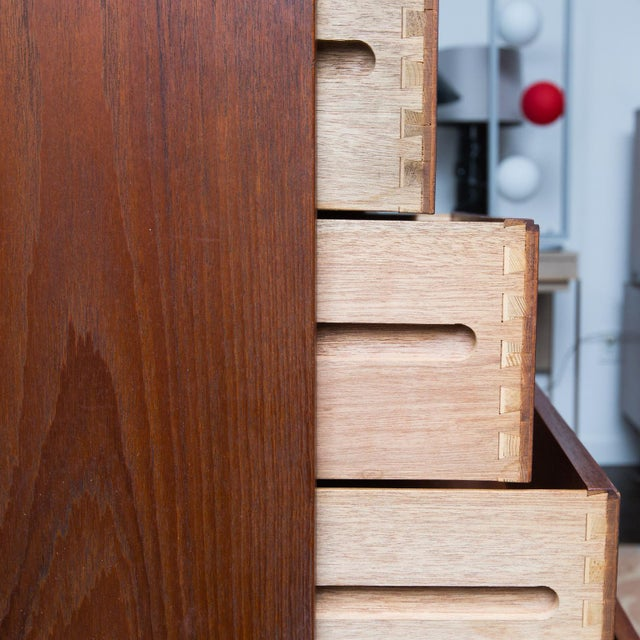 Danish Modern Arne Wahl Iversen for Vinde Mobelfabrik Danish Modern Teak Dresser For Sale - Image 3 of 10