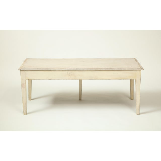 Colefax & Fowler Long Ivory-Painted Hall Bench For Sale - Image 4 of 10