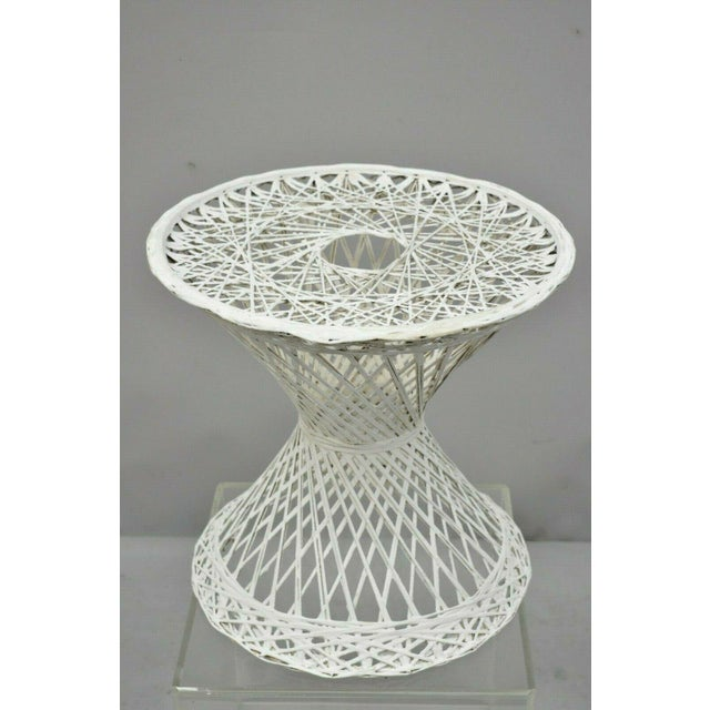 """White Vintage Russell Woodard Spun Fiberglass Woven 18"""" Accent Side Table For Sale - Image 8 of 9"""