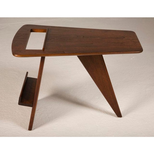 Mid-Century Modern Pair of Wedge Top Magazine Tables by Jens Risom For Sale - Image 3 of 5