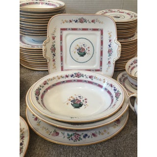 """English Royal Doulton """"Urn"""" Pattern Dinner Set - 80 Pieces Preview"""