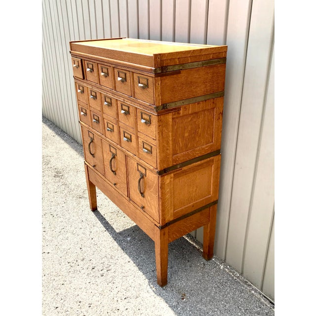 Globe Wernicke Antique Globe-Wernicke Arts and Crafts Era Tiger Oak Library Card Catalog Filing Cabinet For Sale - Image 4 of 13