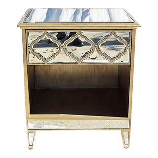 1980s Hollywood Regency Mirrored End Table For Sale