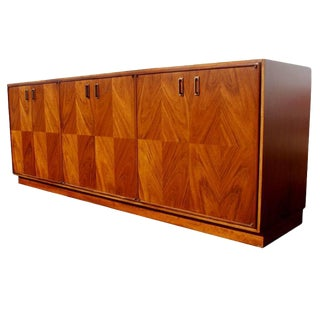 Exotic Wood and Walnut Buffet in the Manner of Renzo Rutili For Sale