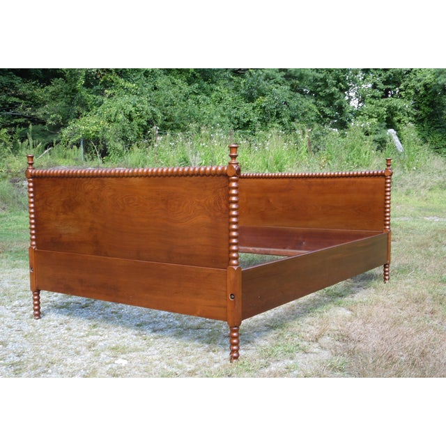 Mid 19th Century Antique Solid Hardwood Double Full Size Jenny Lind Spool Bed Tulip Finial Daybed For Sale - Image 5 of 13