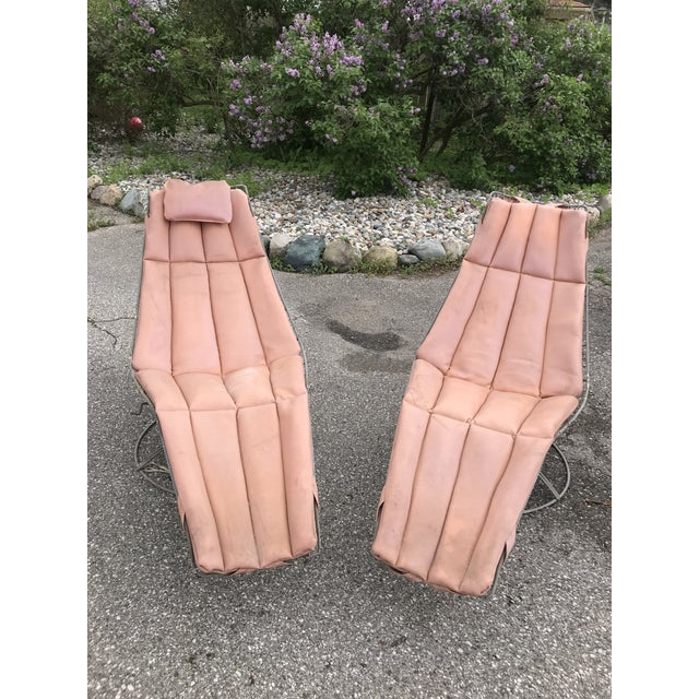 Blush Mid Century Homecrest Patio Lounge Chairs- a Pair For Sale - Image 8 of 8