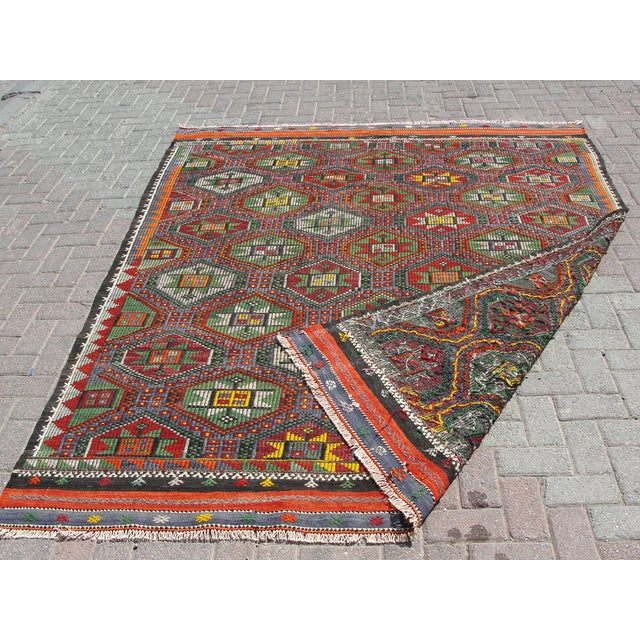 "Vintage Turkish Kilim Rug - 6'9"" x 8'3"" For Sale - Image 11 of 11"