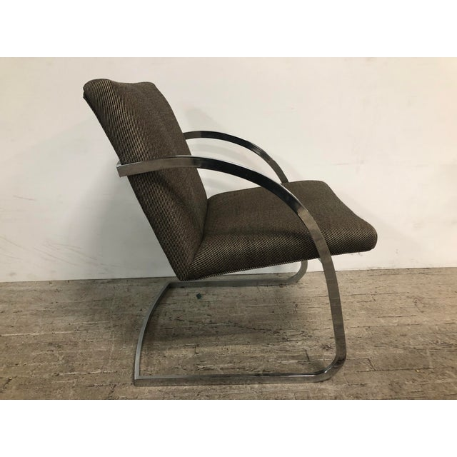 Gorgeous tubular chairs with a more rounded curve. The chrome is one piece. The chairs are chic and comfortable and in...