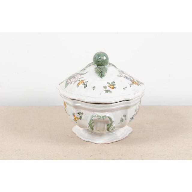 1750s Mid 18th Century French Faience Soup Tureen For Sale - Image 11 of 13
