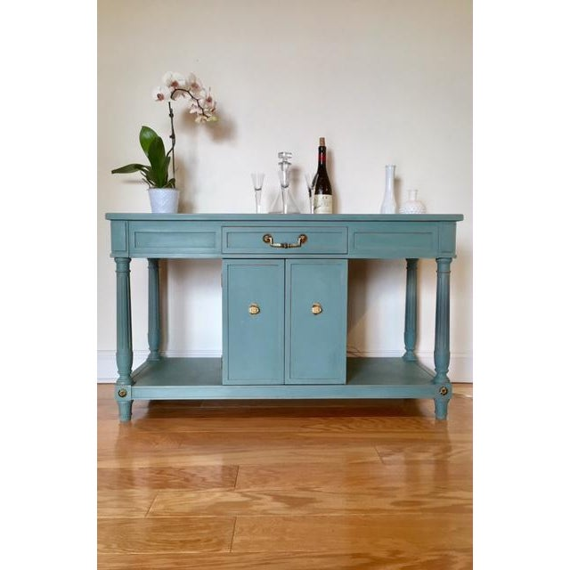 This is a beautiful solid wood bar, server, buffet, or sideboard by Thomasville Furniture. This piece has been...