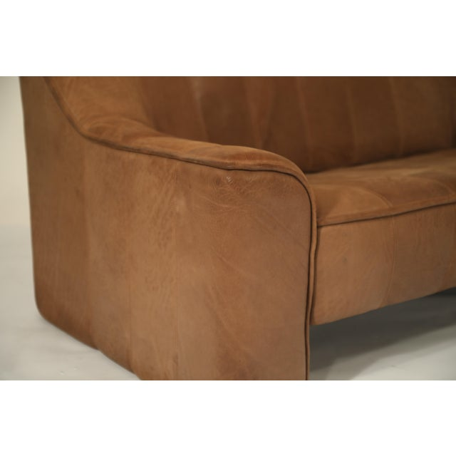 Mid-Century Modern De Sede Aged Buffalo Leather Ds-44 Adjustable Loveseat Sofa, 1970s For Sale - Image 3 of 13