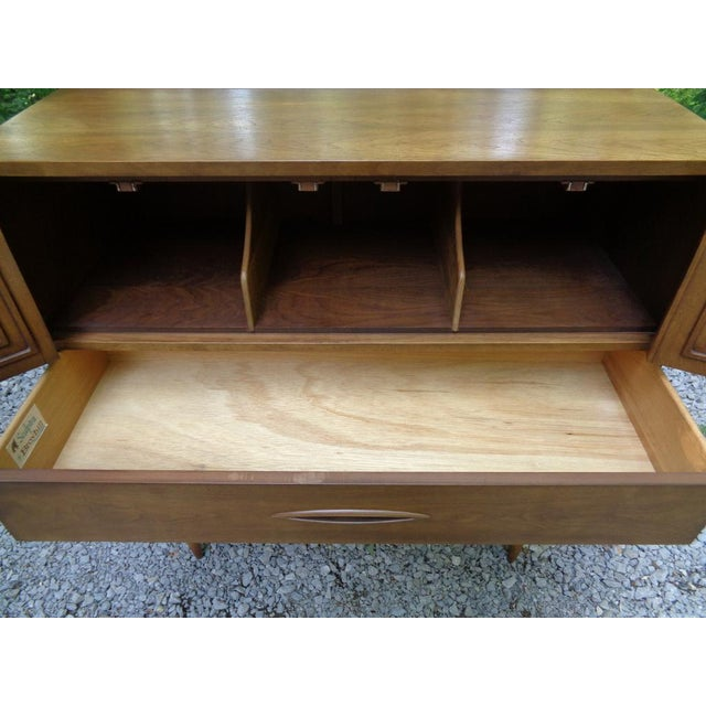 Vintage Broyhill Sculptra Gentleman's Chest of Drawers Dresser For Sale - Image 9 of 13